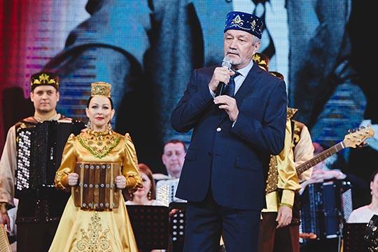 Айдар Файзрахмановвыдвигается завклад висследование, развитие, популяризацию татарского фольклорного наследия иинтеграцию вмировое музыкальное пространство