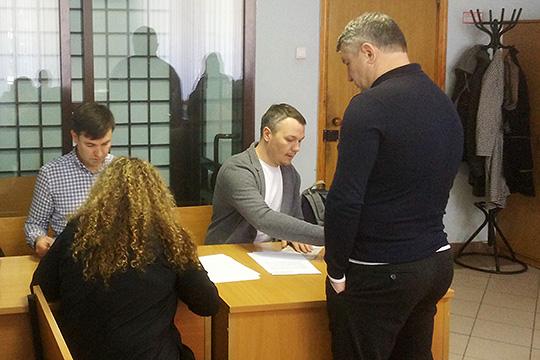 ВВахитовском райсуде стартовал процесс над бывшим предправления Интехбанка Марселем Зариповым иего замом Еленой Наумовой
