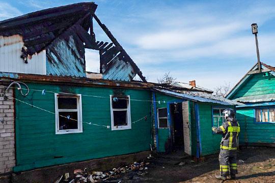 «Алексея мой сын вытаскивал, онудверибыл. Пожарные зашли внутрь, ноуже все погибли»