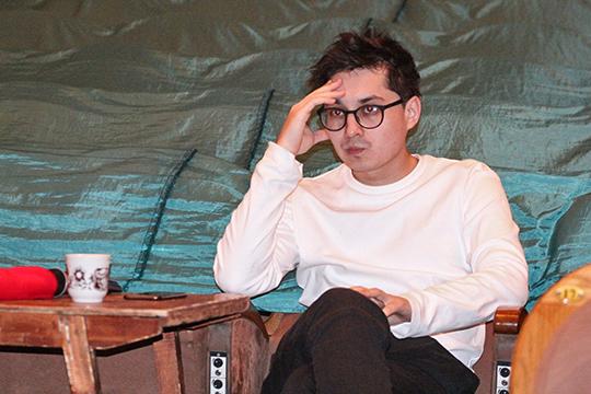 Он (Айдар Заббаров) закончил у Фарида наше театральное училище. Очень важно у нас еще в чьи руки, к кому попадаешь