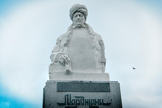 Около 40млн рублей было потрачено наустановку могильного бюстаМарджани, когда изтрудов нашего прославленного ученого переведены иосмыслены лишь жалкие крохи