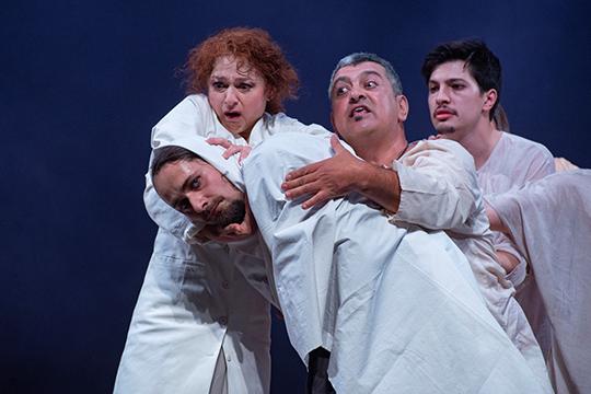 «Румынские актеры— особенные. Уних совершенно другой темперамент, другое ощущение театра»