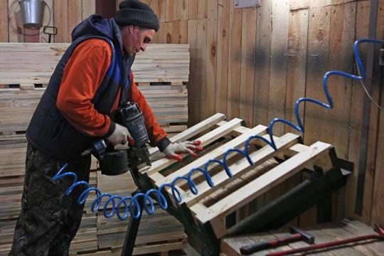Вобщей сложности фирма «Алд» успела собрать заказов на76млн рублей, ипортфель восновном был сформирован заявками АО«Татспиртпром» напоставку деревянных поддонов