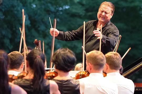 В этом году Государственный симфонический оркестр РТ встречали в Ла-Рок-д'Антерон как триумфаторов