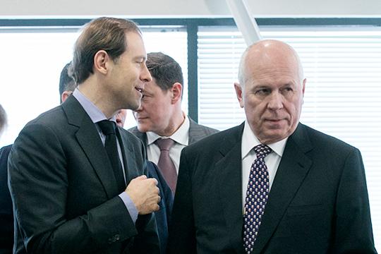 Денис Мантуров (слева)может покинуть министерство и сменить Чемезова (справа) в «Ростехе»