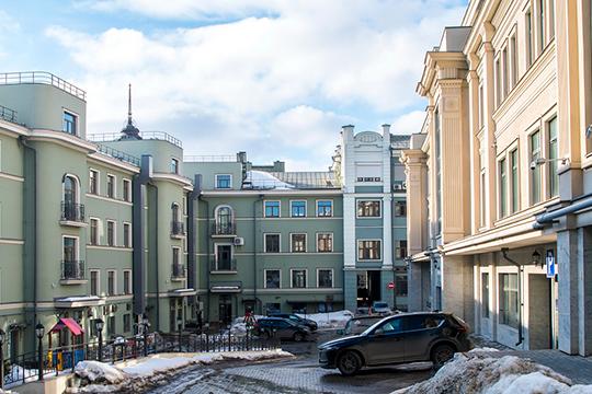 Аида Гилязова настаивает на передачу ей в единоличную собственность в двух зданиях на Баумана 9 квартир, 18 нежилых помещений и 26 парковочных мест