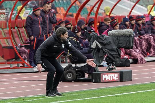 В студии канала «Матч Премьер» игру с «Уфой» комментировал Владимир Быстров. У него прозвучало слово «болото»
