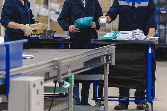 В ноябре 2018 года экономические полицейские пресекли еще одну преступную группу, своровавших гаджетов на 1,3 млн рублей. Среди них также были сотрудники татарстанского отделения «Почты России»