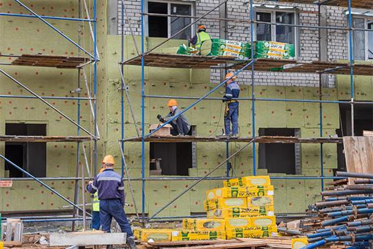 Пока ГЖФ строит вКазани многоквартирное жилье только в«Салават Купере».ВедомствоМарата Зариповаполучилоразрешения настроительство пяти новых домов в«Салават Купере», всентябрееще два