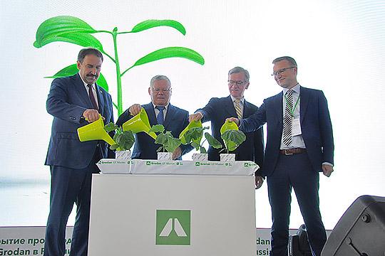Один из самых высокоинвестиционных бизнесов в ОЭЗ «Алабуга» — завод датского происхождения ООО «Роквул-Волга». Год назад состоялось открытие линии Grodan