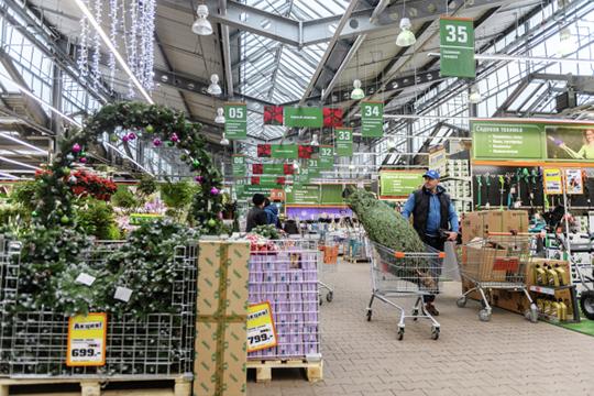 С выручкой в 901 млн руб. и убытком в 61,1 млн вошел в рейтинг сосед казанской IKEA — гипермаркет немецкой сети ОBI под юридическим названием ООО «Сделай Своими Руками — Казань»