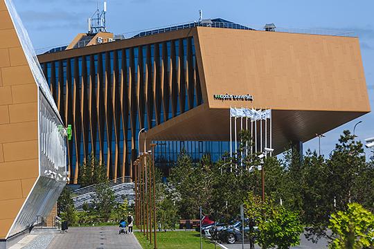 Девятое место с контрактами на 4,49 млрд рублей занимает ООО «Ремонтстройсервис», в портфеле которой заказ ГИСУ ценой 120 млн рублей на ремонт университета Иннополиса