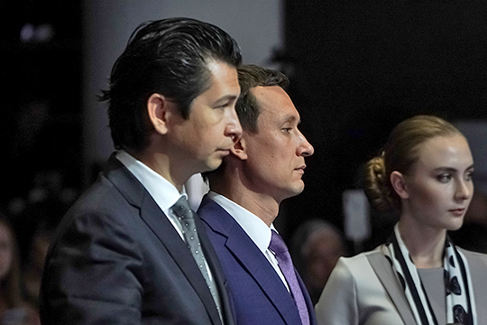 Забрав себе МФЦ, Хайруллин совершил своего рода размен — Минэкономики РТ Фарида Абдулганиева (слева) получило кураторство над ОЭЗ «Иннополис»