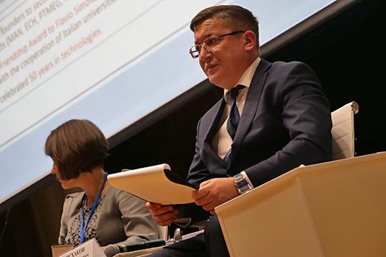 Муниципальную власть представлял директор департамента экологии и природопользования района Айнур Исхаков, выступивший модератором мероприятия