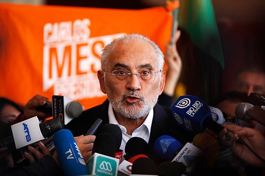 Соперник Моралеса на выборах Карлос Меса отказался признавать поражение и обвинил власти в мошенничестве