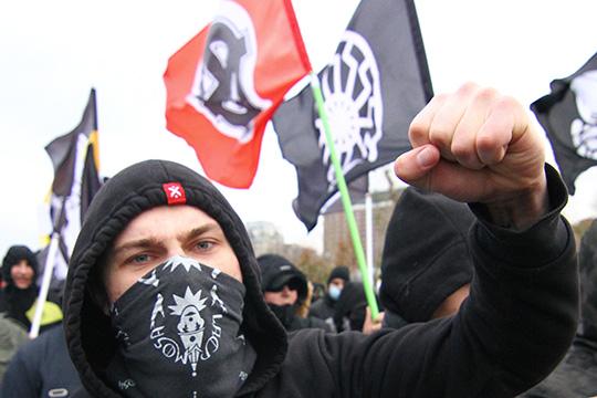 АУЕ и«Колумбайн» напомнило контрразведчику противостояние скинхедов иантифа, носэтими явлениями, поего словам, сейчас вЧелнах покончено