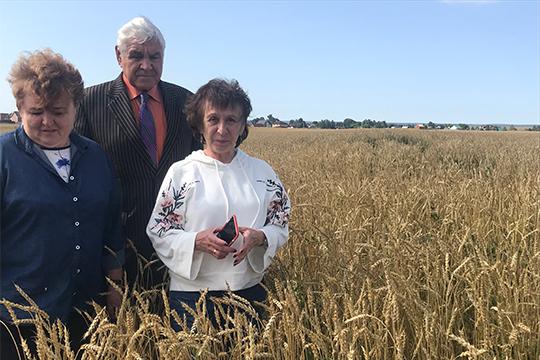 В прошлом году мы в опытном порядке применяли помет, обработанный «Мефосфоном», на полях в Лаишевском районе, возле деревни Сапуголи. Получили урожай яровой пшеницы - 47 центнеров с гектара, и это вообще без аммиачной селитры(!)