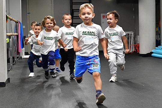 Академия хоккея «АкБарс» открывает дорогу вхоккей детям измалоимущих семей