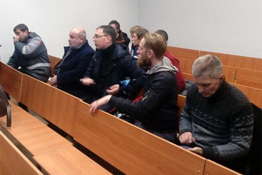Ближе к 20.00 сразу несколько судей рассматривали дела об административных правонарушениях в отношении 10 задержанных
