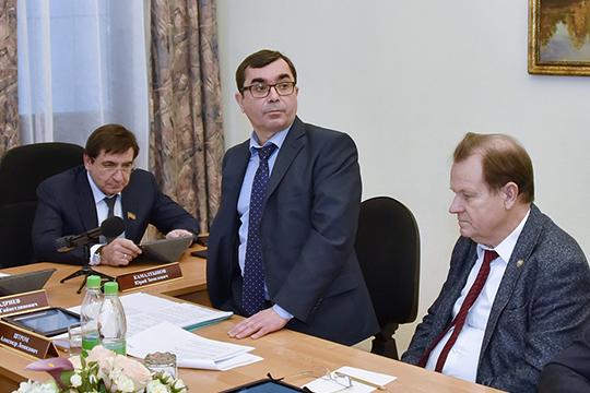 Главной приглашенной звездой встречи стал первый зампредседателя госкомитета РТ по тарифам Александр Штром, который поделился неожиданной идеей