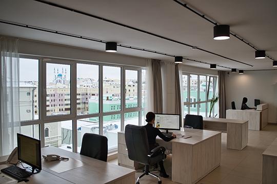 Конфигурация комплекса позволяет использовать пространства как вформатеopen space,так ивтрадиционной кабинетной нарезке