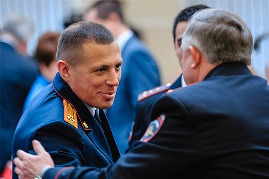 Николаев планировал передать деласвоему ключевому заместителюВладимиру Циоме, нопоследний, ковсеобщему удивлению, уволился изСК и сейчас возглавляетотдел впрокуратуре РТ