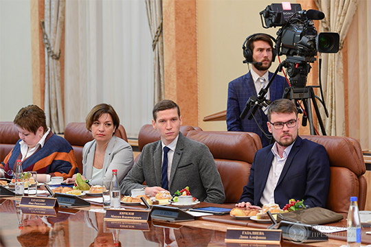 Корреспондент «БИЗНЕС Online» поинтересовался уМинниханова, почемуже все никак непредставят общественности разработанную стратегию развития татарского народа