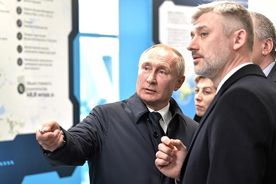 «Лидерство Путина никто неоспаривает. Авот влияние тех или иных групп накакие-то сектора экономики: энергетика, банковская сфера, рынок обнала ипрочее— это то, зачто идет серьезная конкуренция втом числе имежду силовиками»