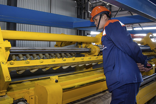 По словам Кузьминой, работники самой «Камастали» не паникуют, до всех сотрудников доведено, что иностранных сотрудников из провинции Хубэй или побывавших в этом районе на предприятии нет