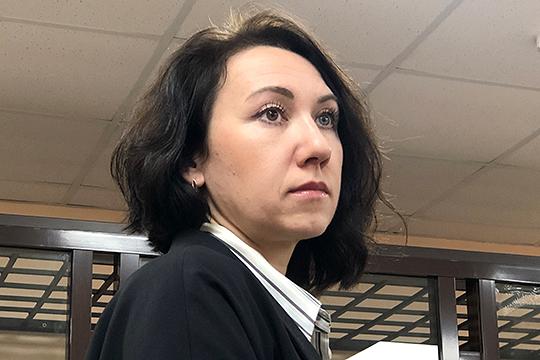 В октябре 2014 года Шадрина параллельно стала руководителем «Учет.Ру», эта компания вела бухгалтерию ГК DOMO. В апреле 2018 года Шадрина ликвидировала эту компанию