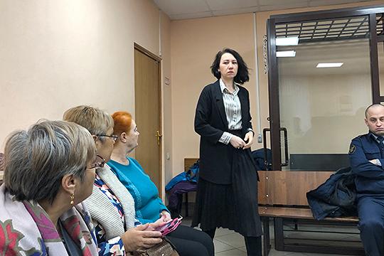 Целый час допрашивали бывшего главного бухгалтера «Новой Нефтехимии» Юлию Шадрину по уголовному делу экс-бенефициара Татфондбанка Роберта Мусина