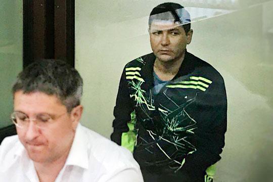 Геннадий КириловиНаиль ШайхутдиновВ своемобращениизаявили, что за освобождение из под стражи Залялов (на фото) и его подчиненные требовали с каждого 20 и 25 млн рублей соответственно.