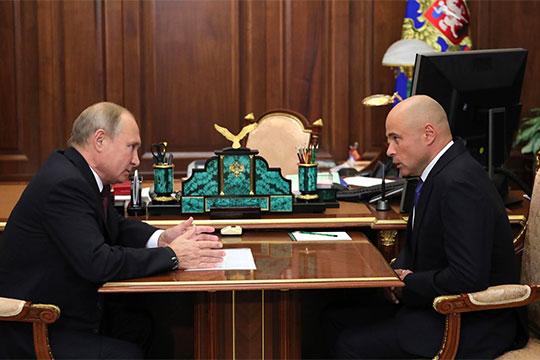В Липецк вместоОлега Королеваотправлен 51-летний вице-президент СбербанкаИгорь Артамоновм (на фото с Владимиром Путиным)