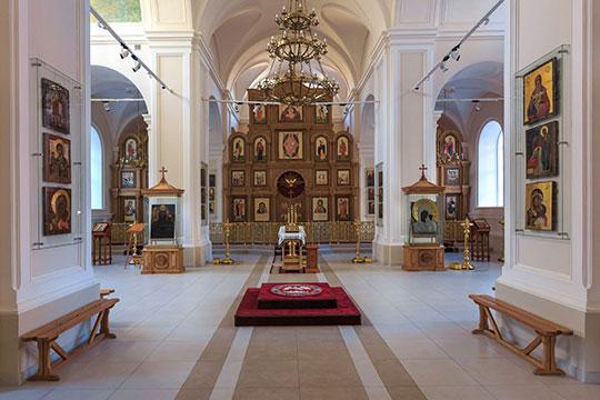 Паммакариступока что выставили напубличное обозрение вотреставрированном храме преподобного Сергия Радонежского наЯпеева