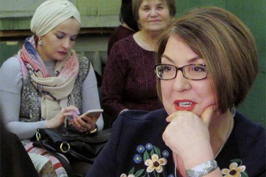 Пословам Сахабутдиновой, несмотря нато, что канал начинает свое вещание уже через неделю, они досих пор ведут переговоры снекоторыми анимационными студиями встречаемся досих пор