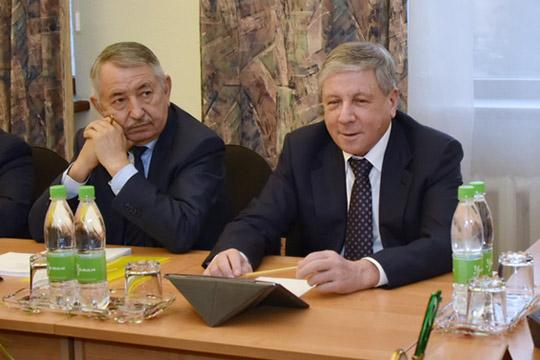 Талгат Абдуллин (слева)