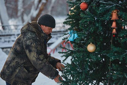 «8января мыпроводим благотворительную елку для детей вчесть Рождества»