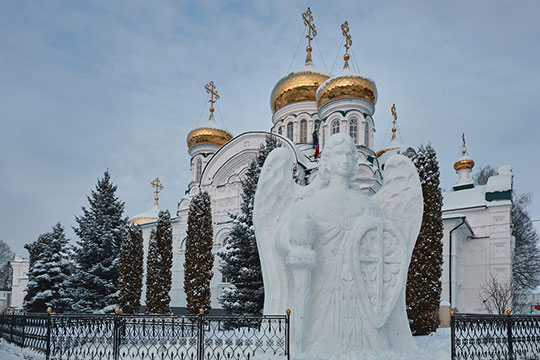 «Принципиально Раифа неотличается отдругих монастырей Русской православной церкви. Все русские православные монастыри живут поодному уставу»