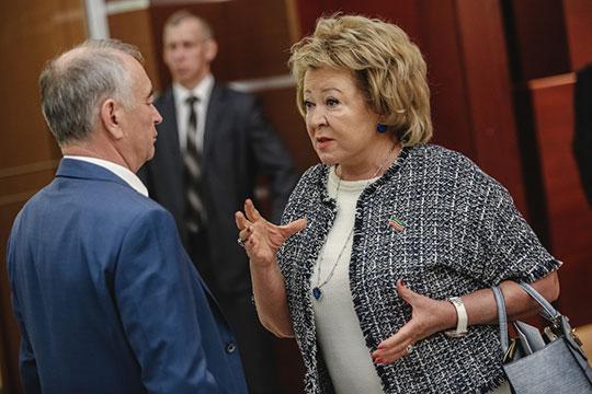 Гендиректор знаменитого ООО «Бахетле» Муслима Латыпова спустилась на одну позицию вниз — она продолжает поиск оптимальной бизнес-модели, но «Бахетле» в нынешних экономических условиях приходится несладко