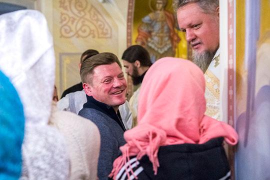 Увидеть его (Павла Николаева) наслужбе вхраме было ожидаемо— он, будучи человеком глубоко верующим, выступил одним изглавных благотворителей Духосошественского храма