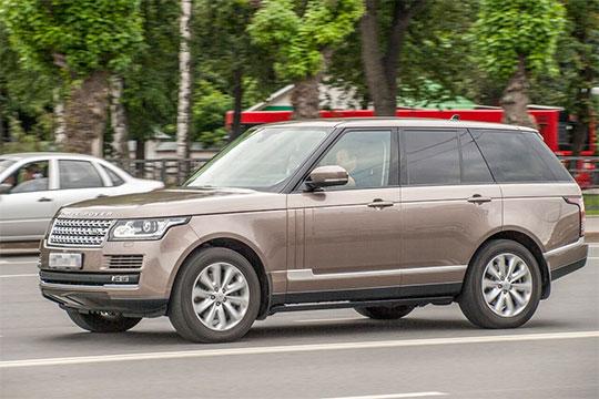 Свой вклад в рост люксового сегмента — плюс 7,6% до 212 авто — внес еще один фаворит казанской публики, Land Rover