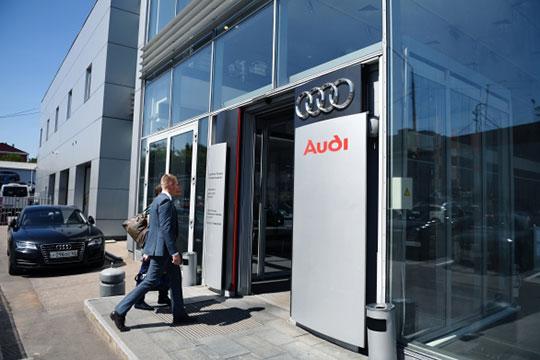 Самая большая абсолютная потеря — минус 105 легковушки — у Audi. Отстающий участник немецкой «большой тройки» тем самым установил антирекорд за всю историю наших наблюдений