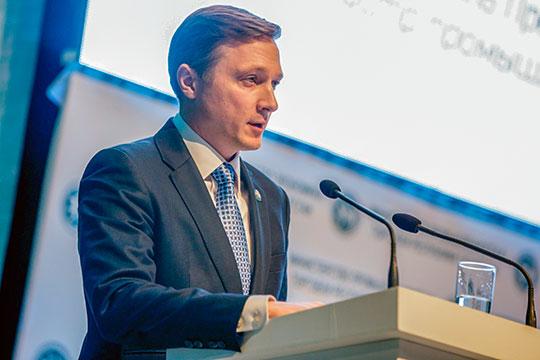 Альберт Каримов сообщил, что 13 татарстанских предприятий участвуют в двух больших госпрограммах — развития ОПК и развития авиационной промышленности