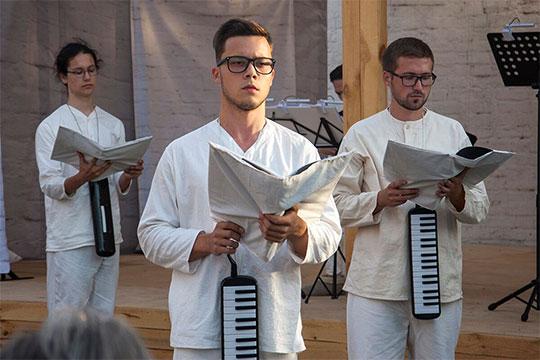 Что касается мужского состава «Снов Иакова», то это в основном хоровики из Музыкального колледжа им. Аухадеева