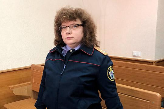 СледовательЕвгенияРомановаобъяснила, что сейчас вделе Бильгильдеевой 90 эпизодов мошенничества. Закаждым изних— договор опокупке земельного участка, покоторому Бильгильдеева якобы невыполнила свои обязательства. Всего— насумму впочти 30млн рублей