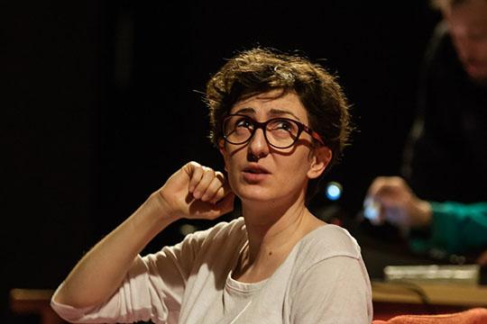 Это первый опыт работы с иностранным режиссером — им является итальянка Алессандра Джунтини