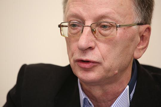 Владимир Беляев:«Даже вэлектронном виде голосуют только свои, видимо. Это имитация бурной деятельности. Наделе-то надо взять иопросить, чего народ хочет»