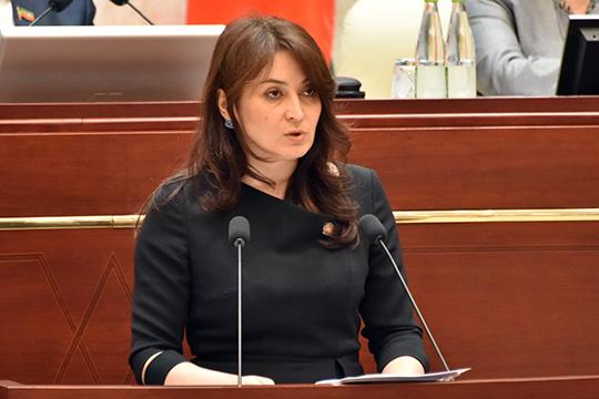 Лейла Фазлеева,представляя главу республики, отчиталасьорезультатах независимой оценки качества условий оказания услуг ворганизациях культуры, охраны здоровья, образования, соцобслуживания