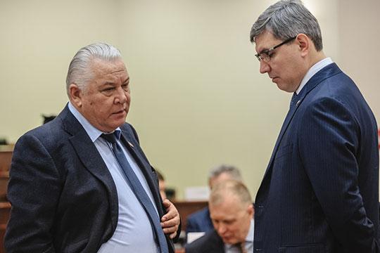 30 апреля совет директоров принял решение «досрочно прекратить полномочия» Лутфуллы Шафигуллина (слева). С сегодняшнего дня он покидает кресло, которое занимал без малого 13 лет