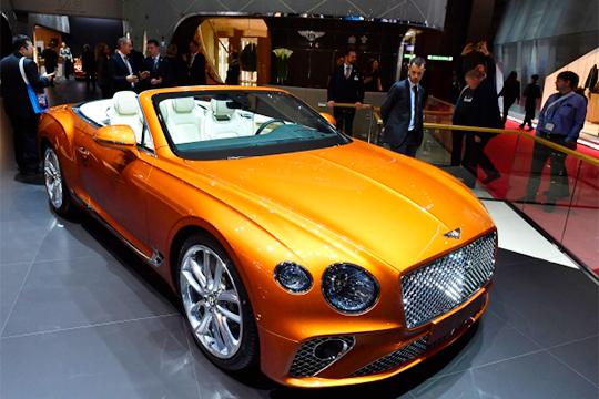 Неравнодушный к«крылатой» марке казанец приобрел Bentley Continental GT, его ценник крут даже для люксового сегмента, стартуя откаких-то 14,3млн «деревянных» (200тыс. евро)